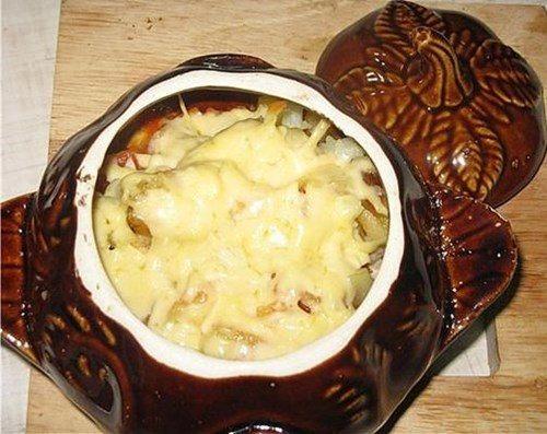 Пельмени в горшочках в духовке с сыром и майонезом рецепт