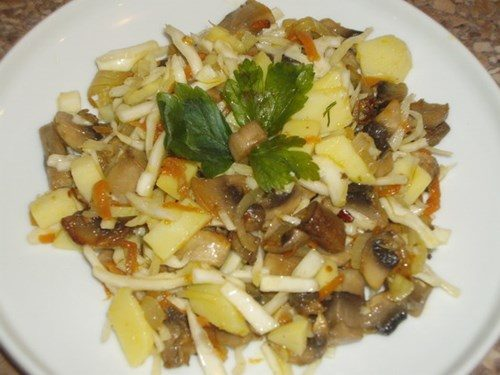 Салаты с шампиньонами и картофелем
