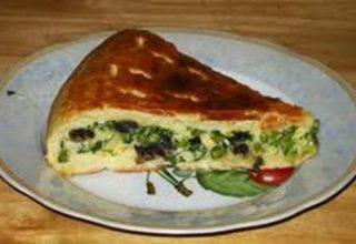 Пирог с грибами и зеленым луком