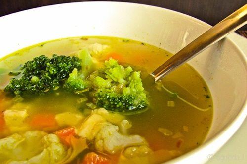 Вегетарианский суп из цветной капусты фото