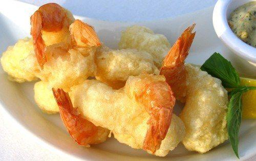Креветки в кляре с картофелем фото