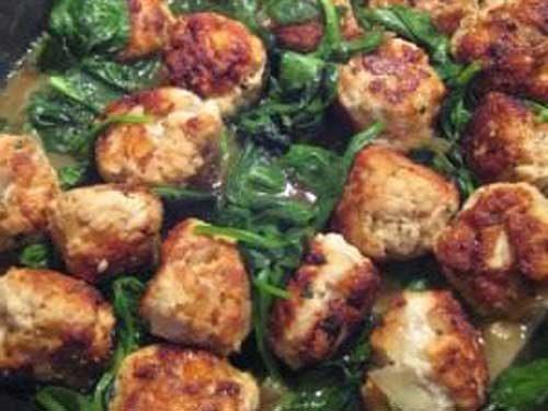 Куриные фрикадельки со шпинатом и грибами фото