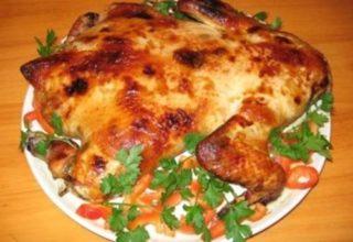 Курица, фаршированная грибами и картофелем