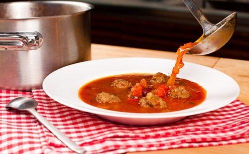 Мексиканский суп с мясными шариками фото