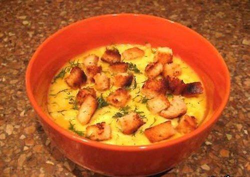 Овощной суп-пюре с гренками фото