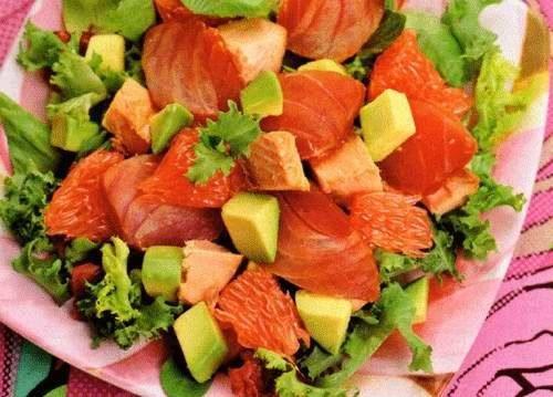 Салат из копченой рыбы фото