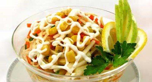 Салат овощной с кукурузой фото