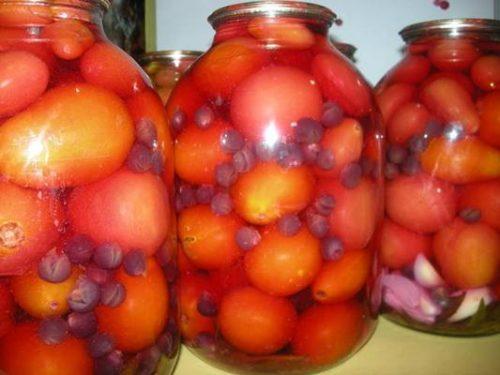 Маринованные помидоры с виноградом фото