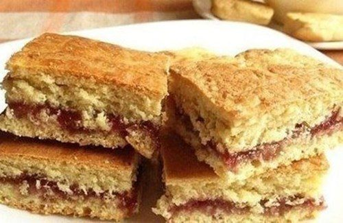 Ореховое печенье с малиновой начинкой фото