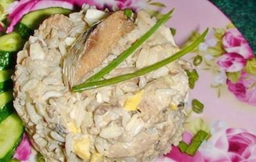 Салат с сардинами и рисом фото