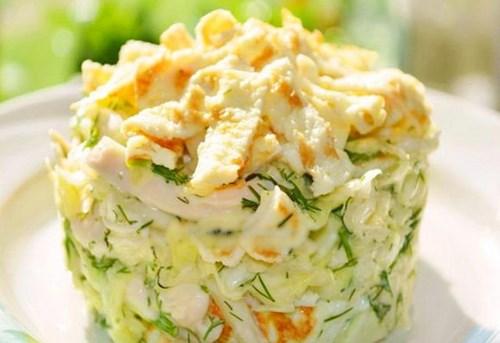 Салат с яичными блинчиками фото