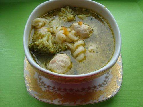Суп с брокколи фото