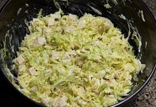 Салат из «Свежей купусты с курицей» фото