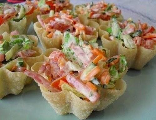 Тарталетки с «Корейской морковью и салями» фото