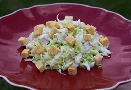 Салат из «Свежей капусты с курицей» фото