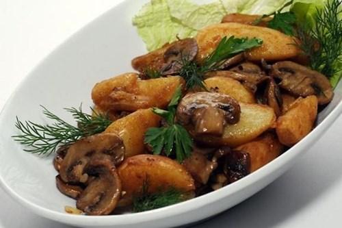 Картофель с «Шампиньонами в духовке» фото