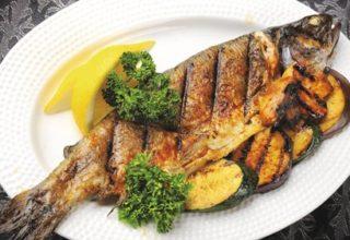 Праздничная рыба на углях