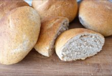 Цельнозерновые хлебные булочки