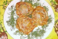 Гнезда из макарон с фаршем в томатном соусе