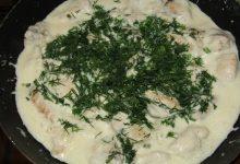 Куриная грудка в соусе из плавленого сыра