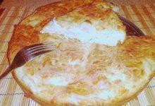 Пирог с куриной грудкой и сыром